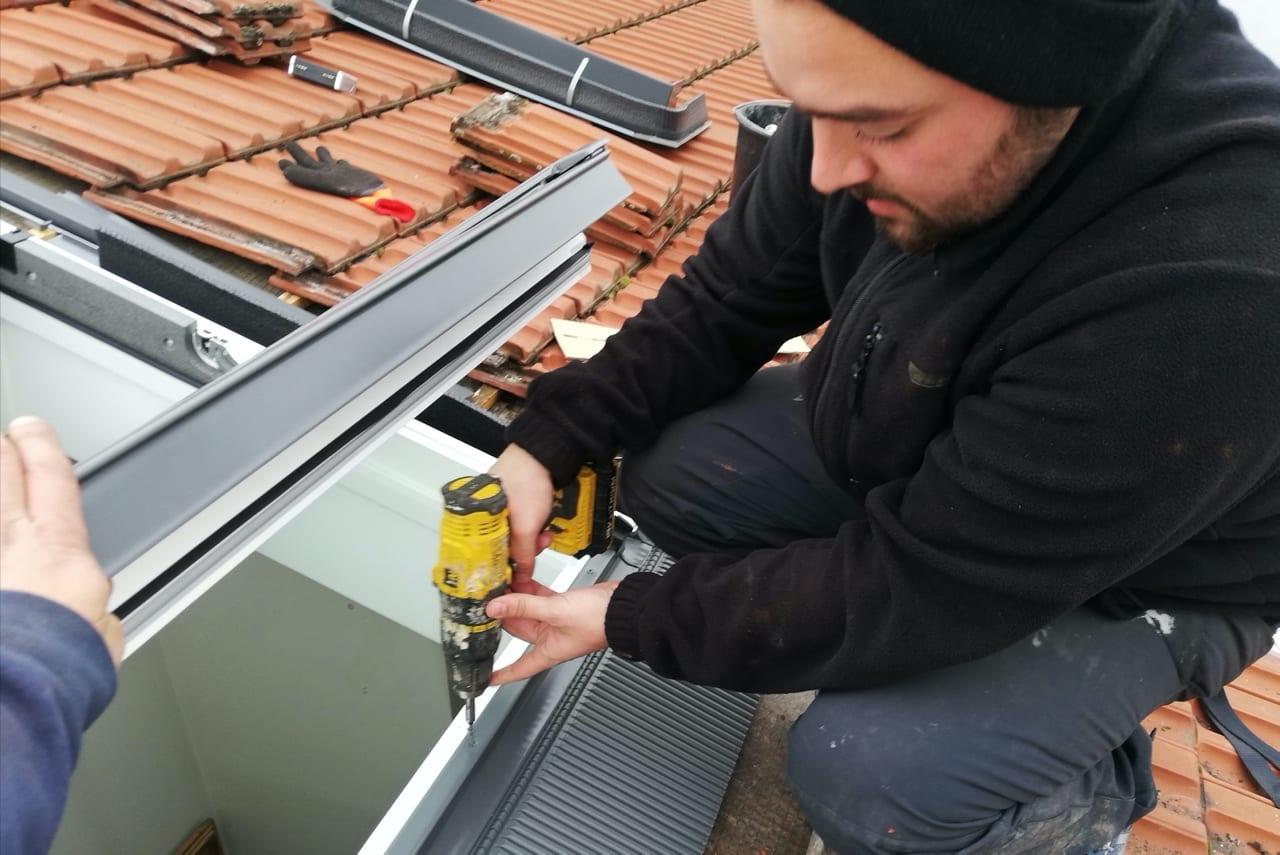 Jean Mainhard - couvreur 93 - pose Velux sur toiture